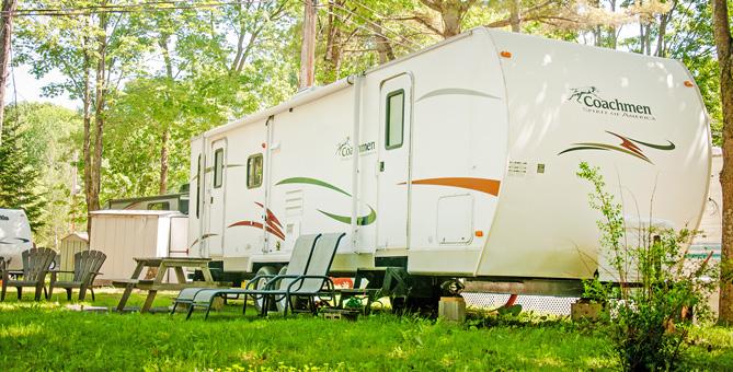En savoir plus sur l'hébergement de type roulotte - Camping Nature Plein Air