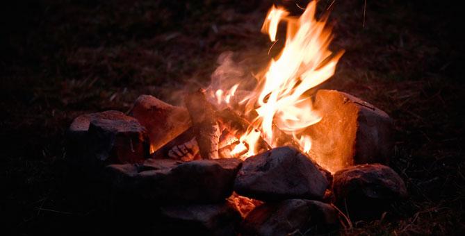 Service de vente de bois pour feu de camps - Camping Nature Plein Air